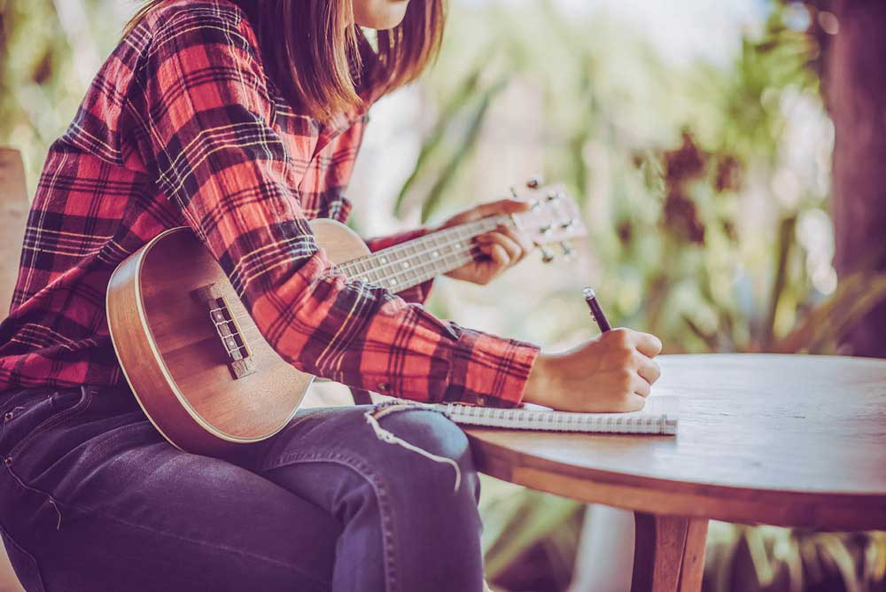 5 Benefits of Learning to Play Ukulele