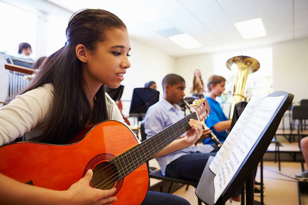 Many Twin Cities Public Schools Offer Guitar Classes