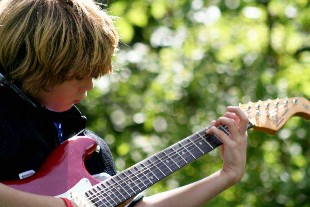 Guitar Lessons for Kids in Minneapolis and St. Paul
